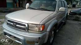 Very very sound Toyota 4runner with auxiliary gear