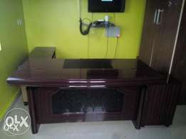 DO Executive Office Table(B100)