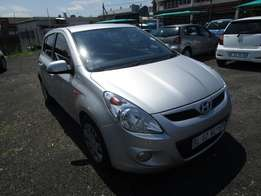 2011 hyundai i20 ,silver in colour ,4 doors ,110 000km ,for sale