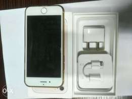 A clean white Iphone 7..32gb up for quick sale