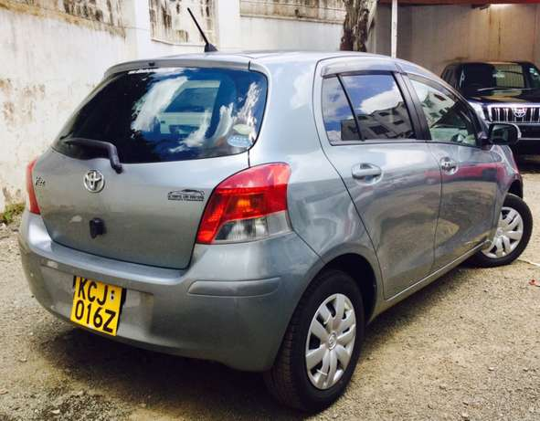 toyota vitz new shape kcj 2009 just arrived at 630,000/= Highridge - image 2