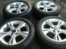 A set of rims for fordfucust