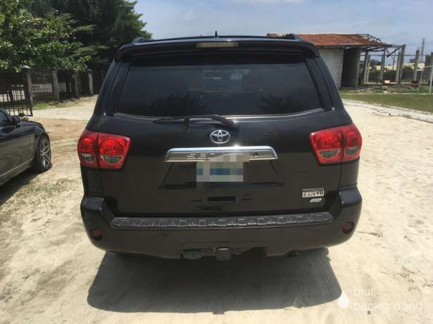 2014 Toyota Sequoia Limited bought brand new Lekki - image 2