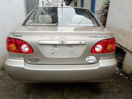 Minted tokunbo accident free,first body 2004 Toyota corolla
