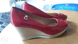 Classy and comfortable wedge size 40