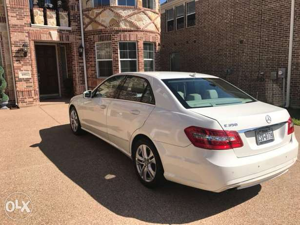 2010 Mercedes Benz E350 Just Arrived Lagos and in Excellent Condition Lekki Phase 1 - image 5