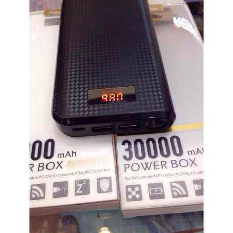 Proda 30000mah power bank,1 yr warranty:free delivery Nairobi CBD - image 4
