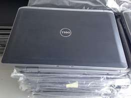 With him port dell core I5 laptop 500gb 4gb 2.5ghz Webcam wifi DVD