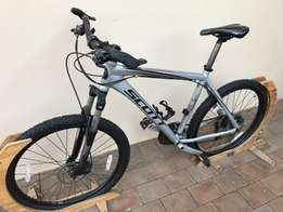 Scott Mountain Bike with clip-in cycling shoes