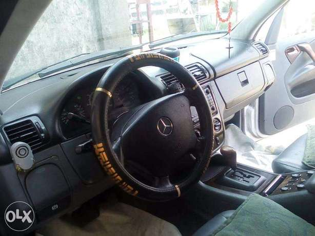 Automatic SUV Mercedes Benz Jeep Lekki - image 6