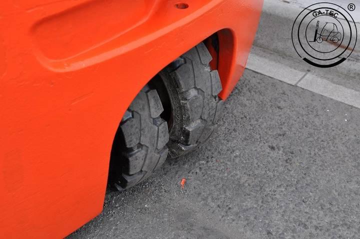 Linde E16 -01 - 2011 - image 11
