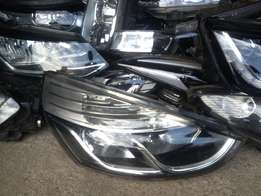 Good condition Genuine clean Renault clio 4 RHS headlight for sale