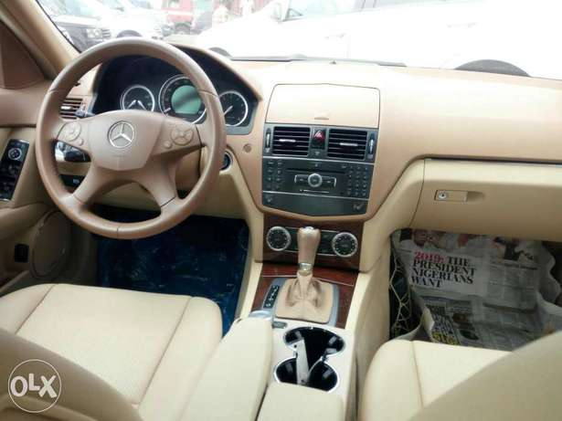 Foreign used 2008 Mercedes-Benz C300. Direct tokunbo Lagos Mainland - image 5