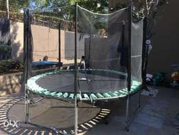 Trampoline with sides