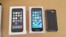 Apple iPhone 5s/ Box and Charger/ Pristine condition