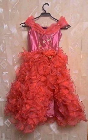 73827dc07f3 Шикарное платье на праздник  300 грн. - Одежда для девочек Одесса на Olx