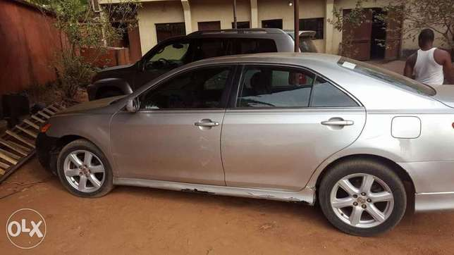 Clean carefully used Toyota Camry 2008 model Onitsha South - image 2