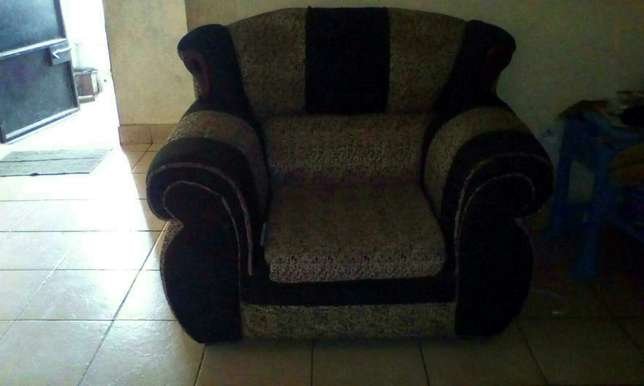 3, 2, 1 used sofa seats Changamwe - image 3