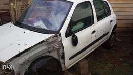 Renault (one) clio1.4 used parts stripping