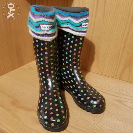 Snow/Rain boots size 41 with 2 pairs of special socks.