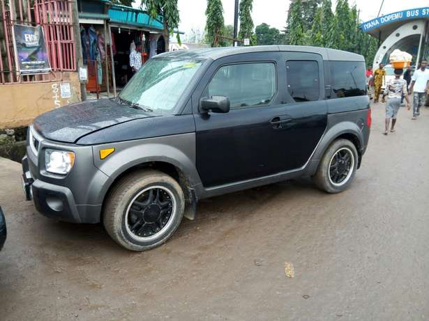 Nigerian used Honda Element 2004 Agege - image 1