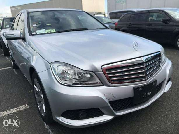 mercedez benz C200 of year 2011 for sale from a yard in Japan Utawala - image 7