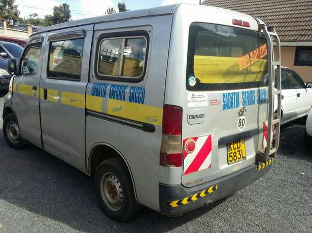 Toyota Townace 10 Seater Petrol 1.5litre Woodly - image 7