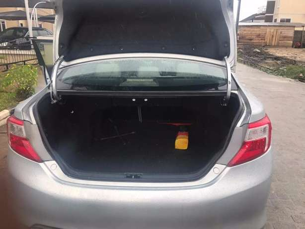 Foreign Used 2012 Toyota Camry LE - Silver Lekki - image 5