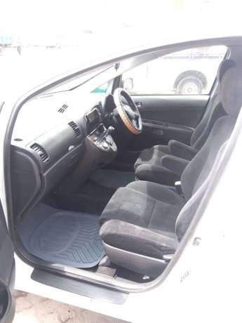 Toyota wish on sale. Super cool and neat car. Totally accident free Donholm - image 4