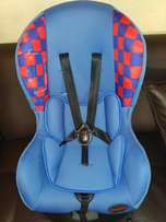Awesome Chelino 0-18kg car chair available