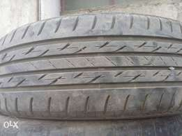 The tyres is 215/60/16