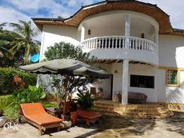 EXECUTIVE 4 Bedroom fully furnished Beach side Villa with pool