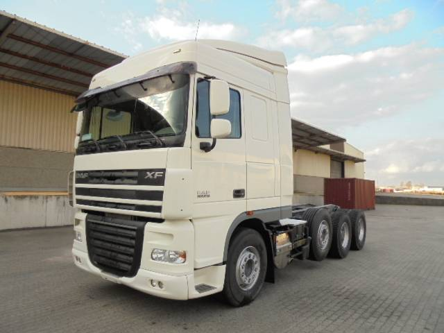 DAF XF105.510 8X4 MANUAL