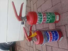 2×Fire Extinguishers