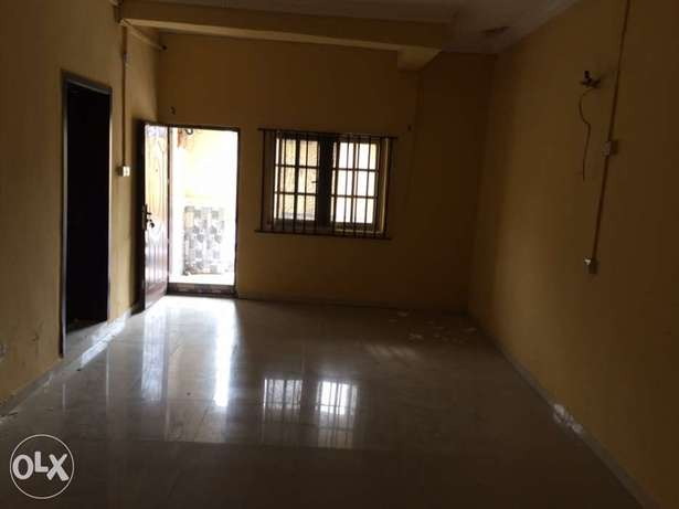 Clean 2bedroom flat to let in Osapa London Lekki - image 2
