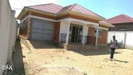 Kira,nice and modern house for sale at 173m