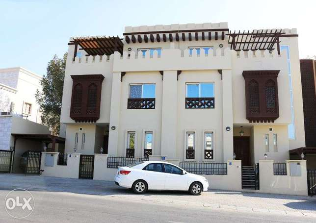 Wonderful Town House 5 BR for rent in MQ | REF 371KH