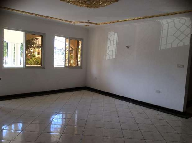 Appealing 3 bedroom Apartment FOR SALE Tudor Mombasa Island - image 2