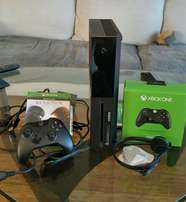 Xbox one 500gb console still brand new a day old complete console