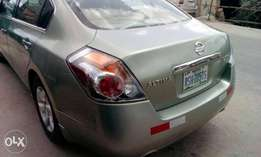 Clean 2007 Nissan altima for sale
