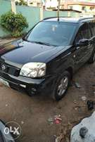 Super clean first body 2009 nissan Xtrail for sale.