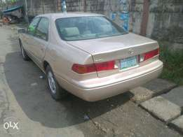 Clean Toyota Camry 2001 Registered