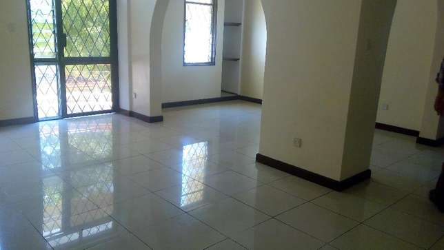 Magnificent 3 bedroom modern apartment to let Nyali Mombasa Island - image 1
