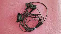 Nokia (2.5mm jack) mic earphones R70