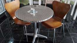 N. 2 Round Steel Tables + 1 For Free