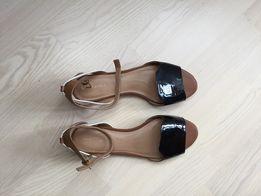 08c6d10ec Продам новые кожаные босоножки на плоской подошве