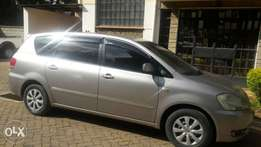 Toyota ipsum ,first owner goldish in colour n very low mileage
