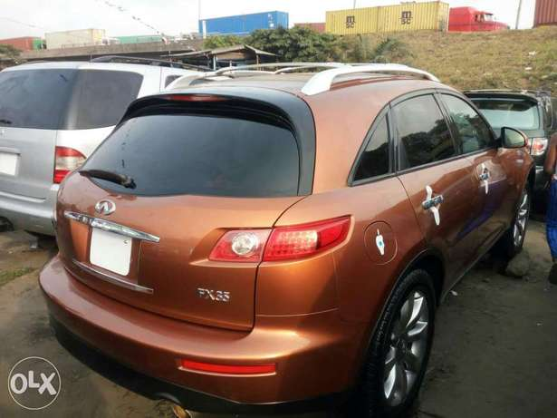 Foreign used 2005 infiniti fx35. Direct tokunbo Lagos Mainland - image 7