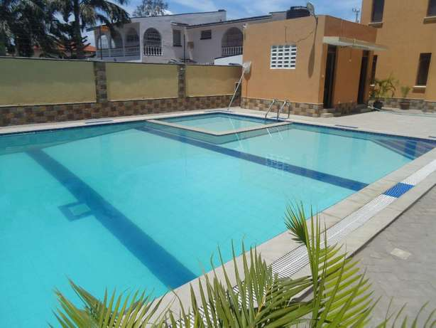 Executive 3 bedroom fully furnished apartment for long/short term let. Nyali - image 1