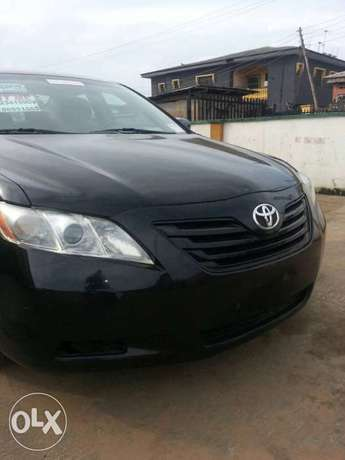 Clean toks 09 camry Ojo - image 1
